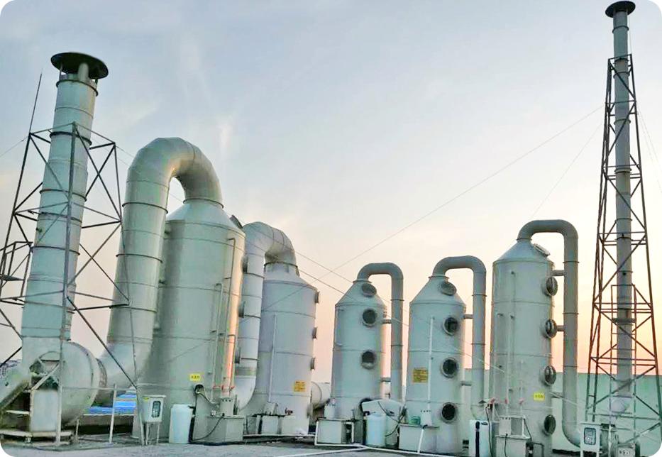 实验室废气处理:碱性洗涤塔+活性炭吸附